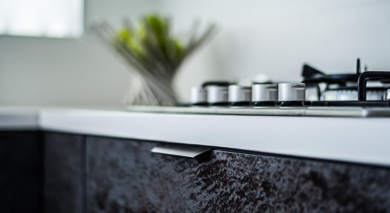 Piano cucina in gres porcellanato: la scelta che dura ...